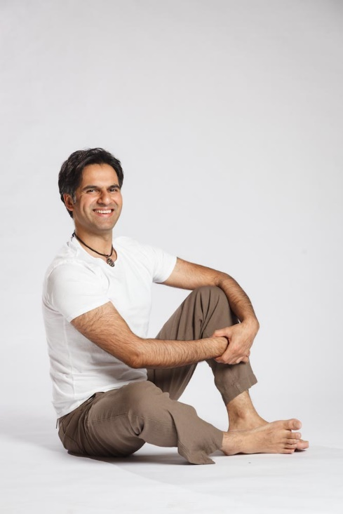 Embodiment Works Anwar Sitting